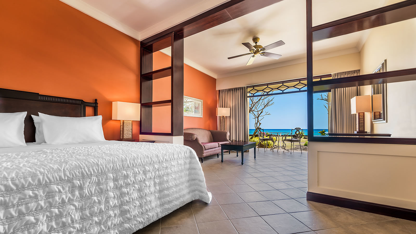Starwood suites le m ridien ile maurice for Gardening tools mauritius